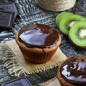 Muffins cu ciocolata si kiwi