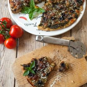 Pizza din faina neagra