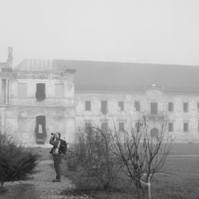plimbare in curtea castelului Bamfy