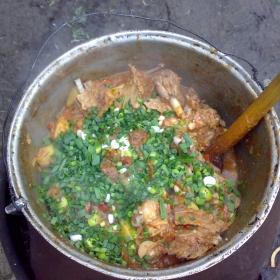 Tocanita de carne la ceaun