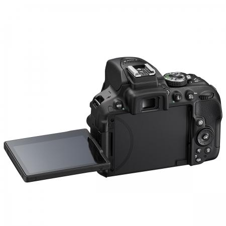Nikon D5300 - cel mai nou DSLR cu ecran orientabil Nikon-D5300-kit-18-55mm-VR-AF-s-DX-30162-5
