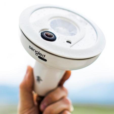 Sengled Snap - Bec LED cu Camera de Supraveghere, Alb