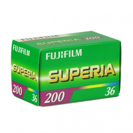 Fujifilm Fujicolor Superia 200 - film negativ color ingust (ISO 200, 135-36)