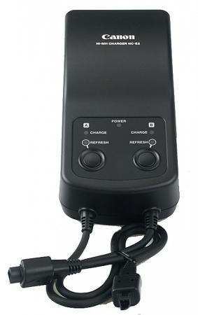 Incarcator original Canon NC-E2  pentru acumulatori Ni-Mh tip NP-E2 / NP-E3 . NC-E2