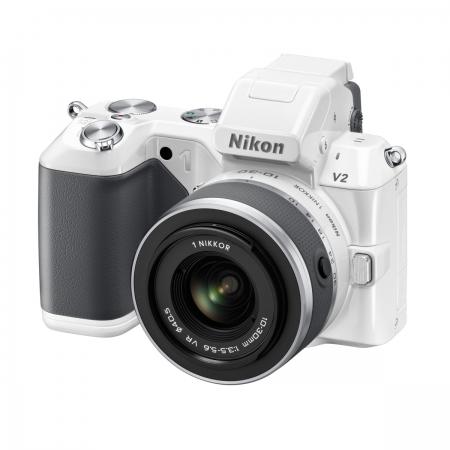 Nikon 1 V2 + Nikon 10-30mm G f/3.5-5.6 alb