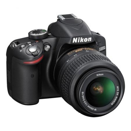 Nikon D3100 vs D3200. Test comparativ a două din cele mai populare DSLR-uri entry-level  Nikon-d3200-kit-af-s-dx-18-55mm-f-3-5-5-6g-vr-22331-2