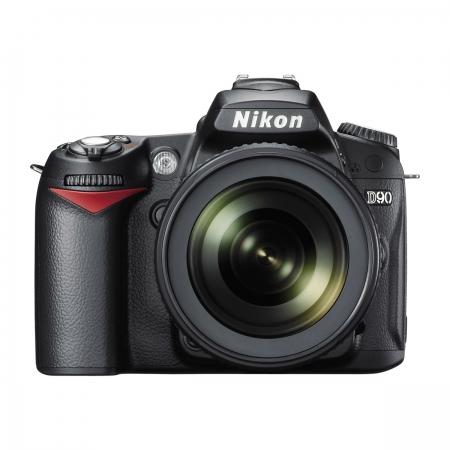 Nikon D90 Kit 18-105mm f/3.5-5.6G ED VR