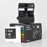 Polaroid 600 80s Style Kit - aparat foto Instant + Set Hartie Color